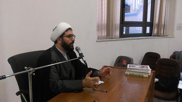 دومین جلسه توجیهی با حضور طلاب و قرآن پژوهان مرکز تفسیر و علوم قرآنی ائمه اطهار(ع) برگزار شد.25