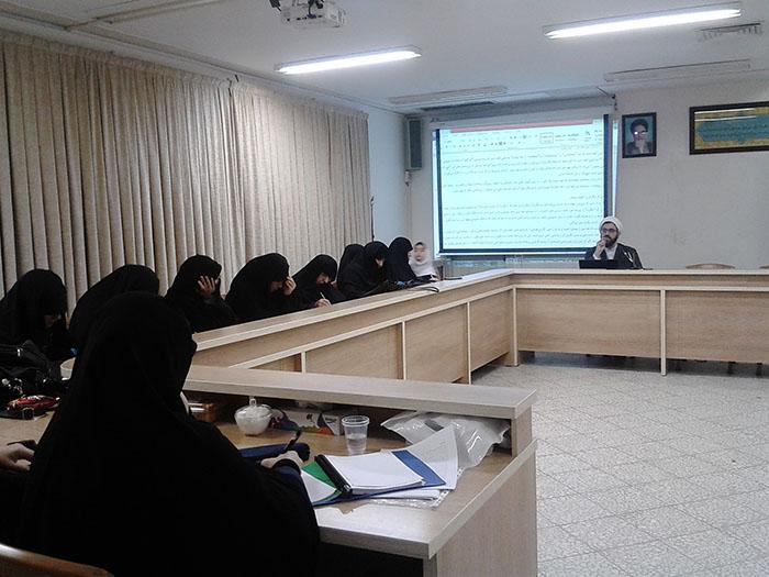 سومین کارگاه تخصصی مقاله نویسی در جامعه الزهرا(س) برگزار شد.31
