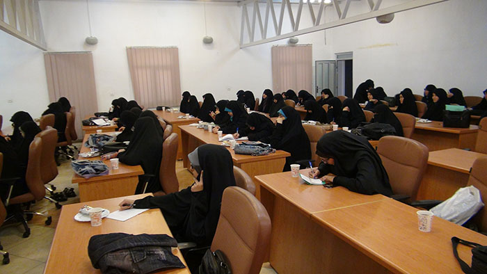 دهمین پیش نشست همایش در مجتمع عالی بنت الهدی برگزار شد.39